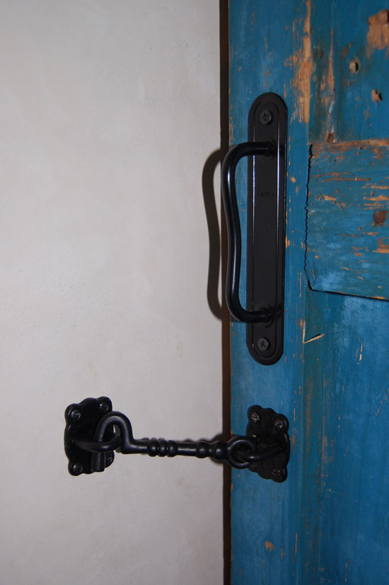 Bathroom lock – was not easy to find – too elaborate for my taste by the only black one I found