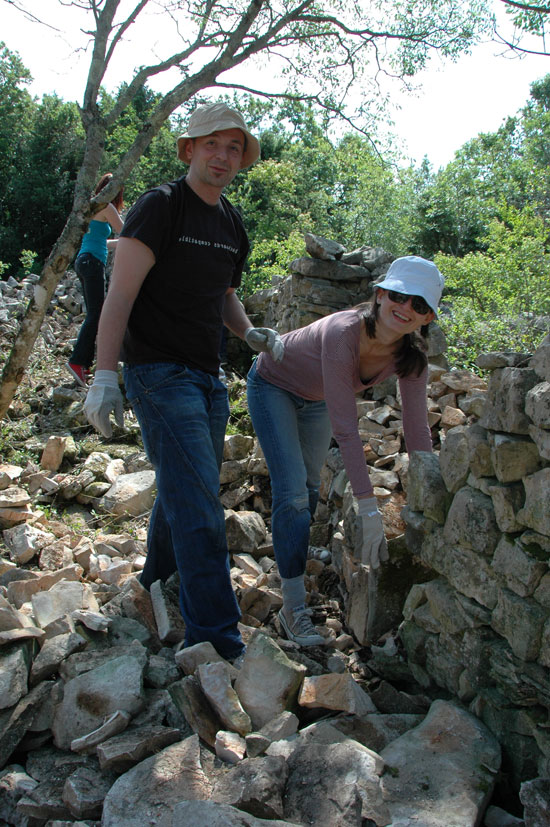 """Moj kažun"" – drystone building workshop – May 2011"